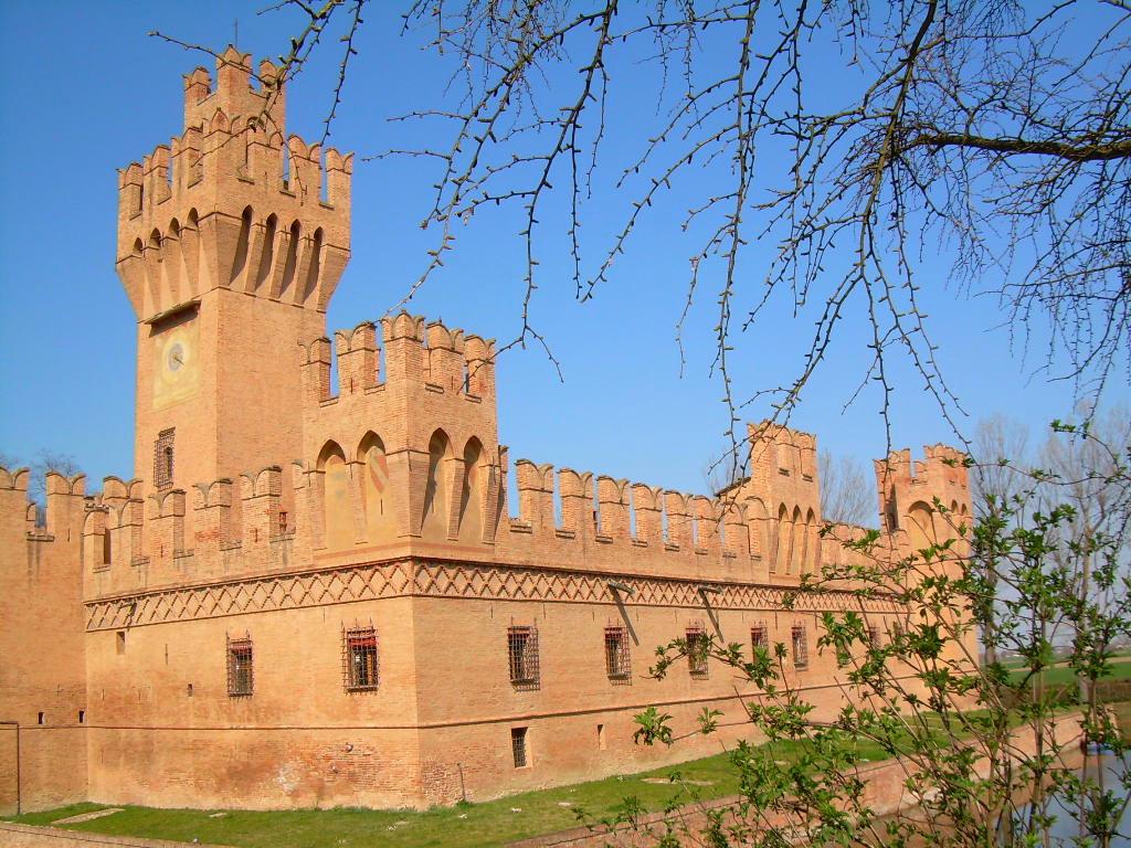 Castello di S. Martino in Soverzano a Minerbio